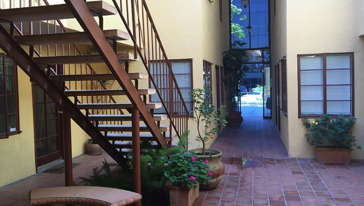 Exterior Hallway Stairwell View of Office Space For Lease - Par Commercial Brokerage - 1513 6th Street #103, Santa Monica, CA 90401