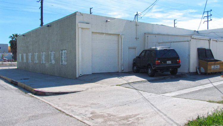 Par Commercial Brokerage - 10731 Chandler Boulevard, North Hollywood, CA 91601