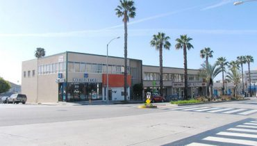 Exterior Street and Building Facade View of Office Space For Lease at 2932 Wilshire Boulevard, Santa Monica CA 90404