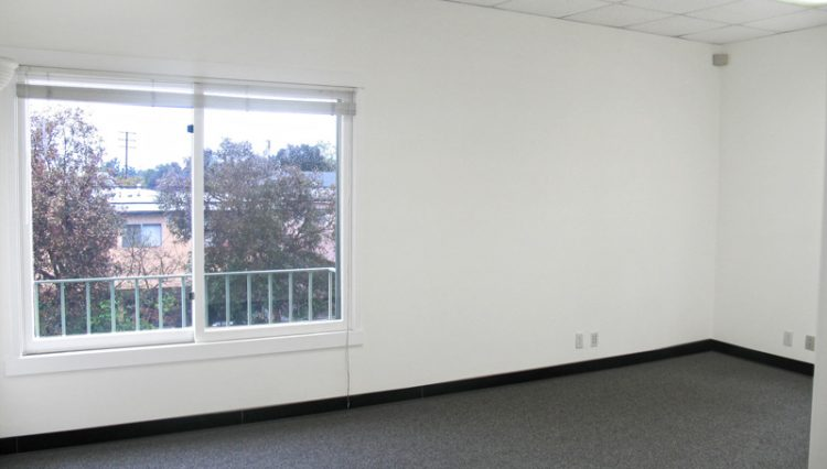 Interior View of an Office Space For Lease - Par Commercial Brokerage - 2656 29th Street #202, Santa Monica, CA 90405