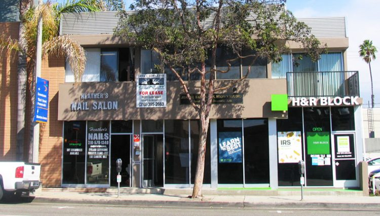 Street and Building Facade View of Retail Space For Lease at 1323 Lincoln Blvd, Santa Monica, CA 90401