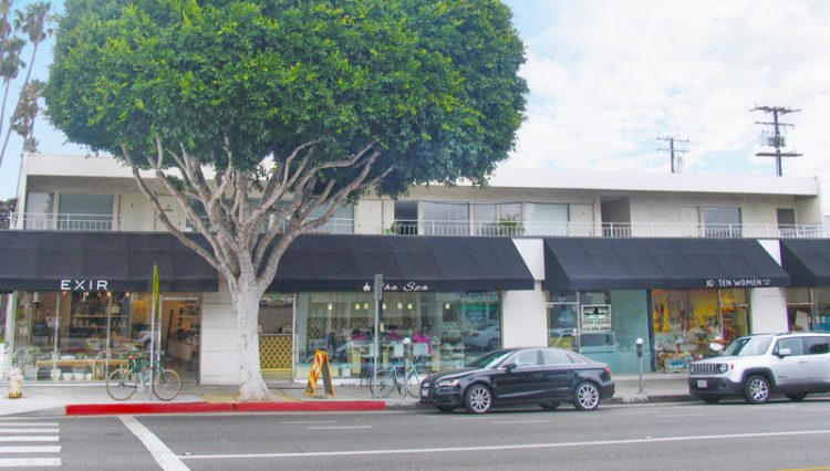 Exterior Street and Business Facade View of Retail Space For Lease - Par Commercial Brokerage - 1130 Montana Avenue Santa Monica, CA 90403
