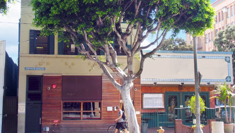 Street and Business Facade View of Office Space For Lease at 2941 Main Street, Santa Monica, CA 90405