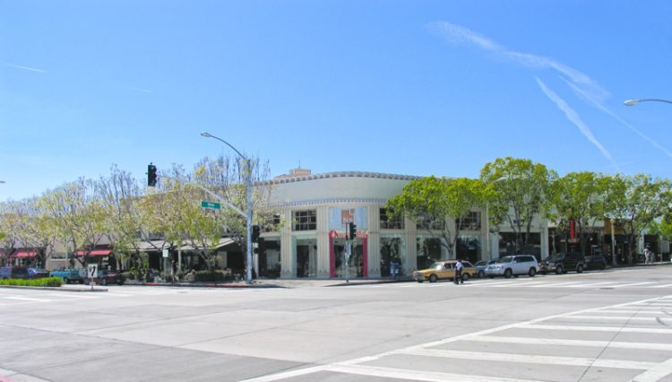 Exterior Street and Facade View of Creative Office Space For Lease - Par Commercial Brokerage - 9421 Culver Boulevard, Culver City, CA 90232