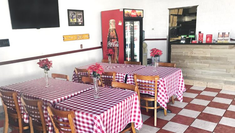 Interior Dining Room View of Business Opportunity Napoli Pizza at 14617 Crenshaw Boulevard, Gardena, CA 90249
