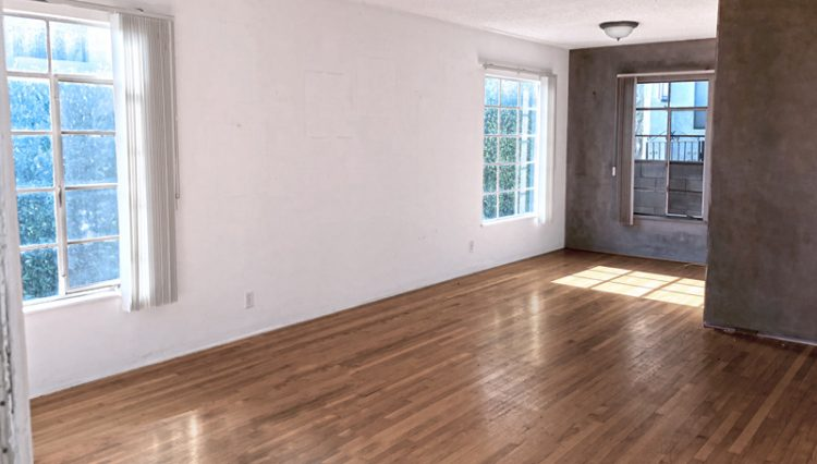 Interior View of an Apartment Living Room at 811 to 813 18th Street, Santa Monica, CA 90403