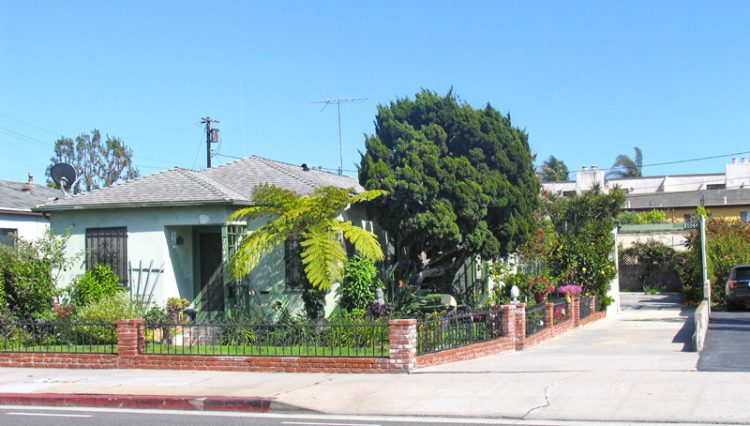 Street Curb View of 3 Unit Apartment Building For Sale at 1044 Ocean Park Boulevard, Santa Monica, CA 90405