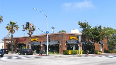 Business Facade Street View of Restaurant Retail Space For Lease at 2002 Wilshire Boulevard, Santa Monica CA 90403