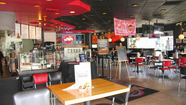 Dining Room View of Restaurant Retail Space For Lease at 2002 Wilshire Boulevard, Santa Monica CA 90403