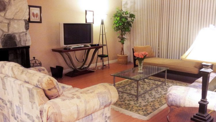 Living Room With Fireplace View of 3 Bedroom Condo for Lease at 813 15TH STREET, SANTA MONICA, CA 90403
