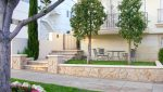 Exterior Sidewalk Entrance View of 2 Bedroom Condo For Lease at 813 15TH STREET, SANTA MONICA, CA 90403