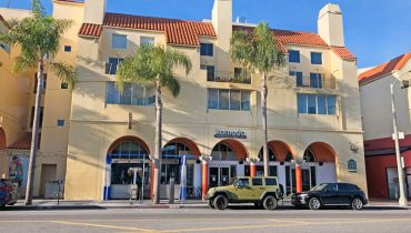 Exterior Street View of Restaurant Space for Lease at 235 Main Street, Venice, CA