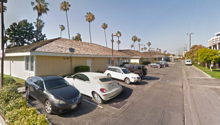 Exterior Parking Lot View of Office Retail Space For Lease at 444 Washington Boulevard, Marina Del Rey, CA 90292