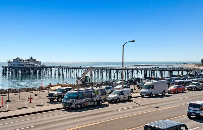 22917 Pacific Coast Highway-small-023-016-Ocean View Deck-666x444-72dpi